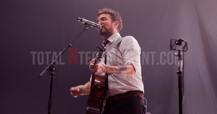 Frank Turner made sure there were no 'Sleeping Souls' in Leeds