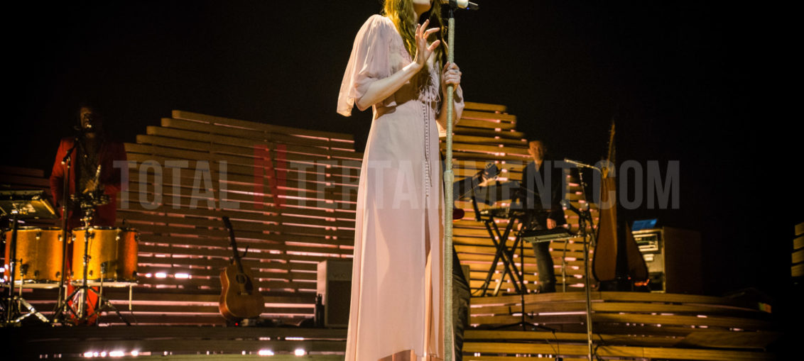 Florence & The Machine, Manchester, TotalNtertainment, Review, Chris Ryan
