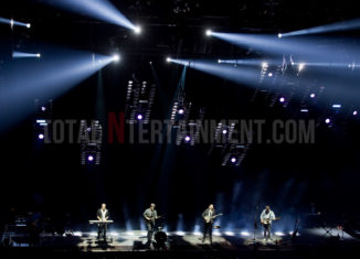Mumford & Sons, First Direct Arena, Leeds, TotalNtertainment, Music, Jo Forrest, Review