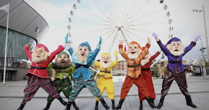 Liverpool Set For A White Christmas As Cast Launch Snow White Panto