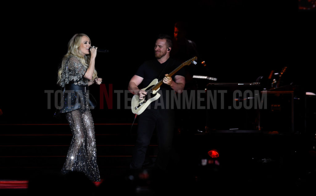 Carrie Underwood, Music, review, TotalNtertainment, Manchester, Stephen Farrell