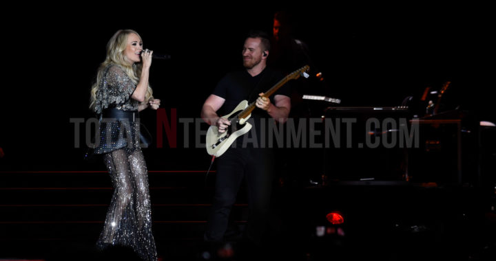 Country Superstar Carrie Underwood enchants fans in Manchester