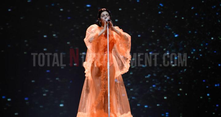 Marina Shines like a Diamond at the Manchester Apollo
