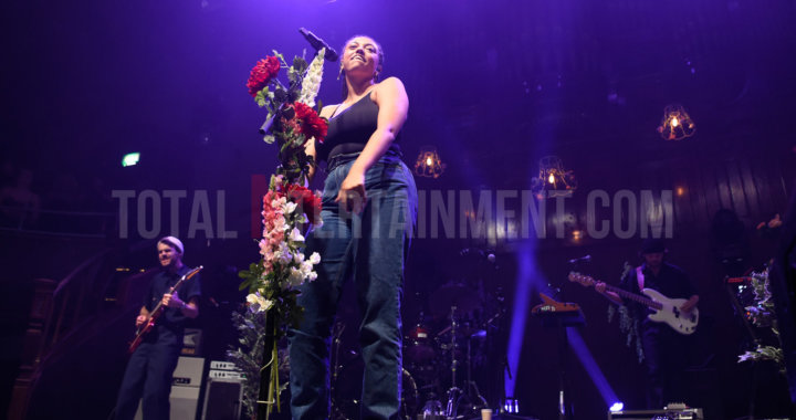 Mahalia headlines Manchester Albert Hall