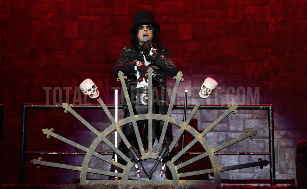 Alice Cooper, Manchester, Tour, Music, review, TotalNtertainment, Stephen Farrell