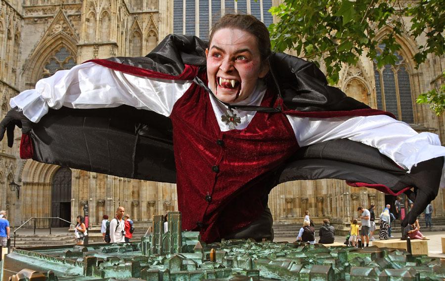 Dracula, York, Grand Opera House, TotalNtertainment, Theatre