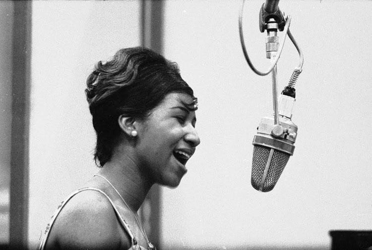 Aretha Franklin, Never Gonna Break My Faith, Music, Solo, TotalNtertainment