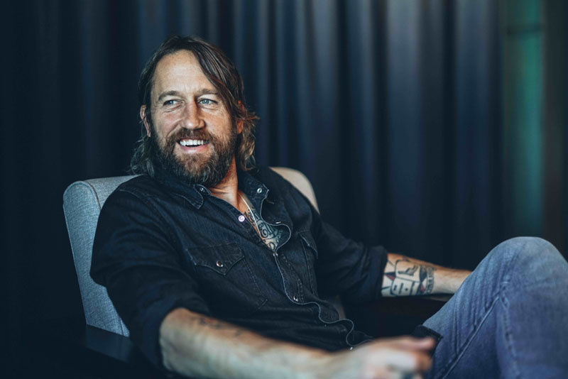 Chris Shiflett, TotalNtertainment, Foo Fighters, Music, Tour