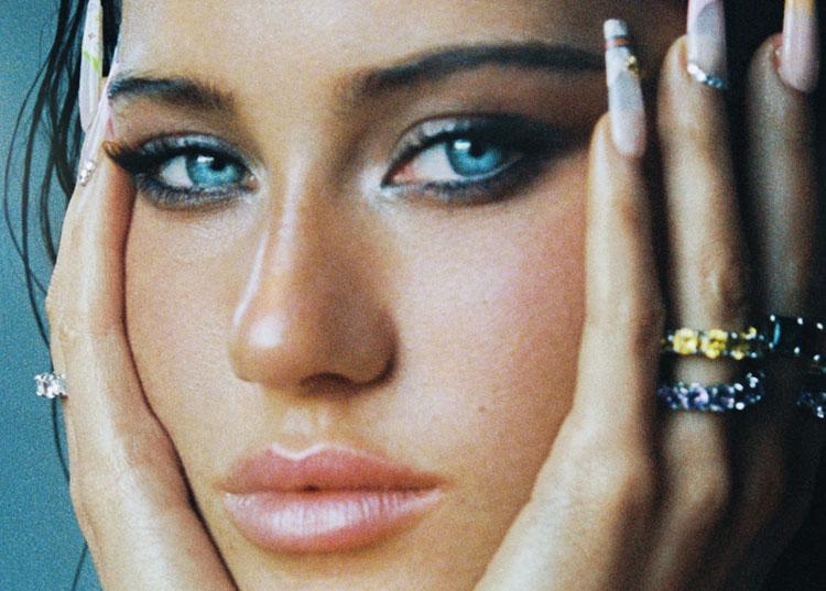 Claudia Valentina, Music, New Single, TotalNtertainment, Obsessed