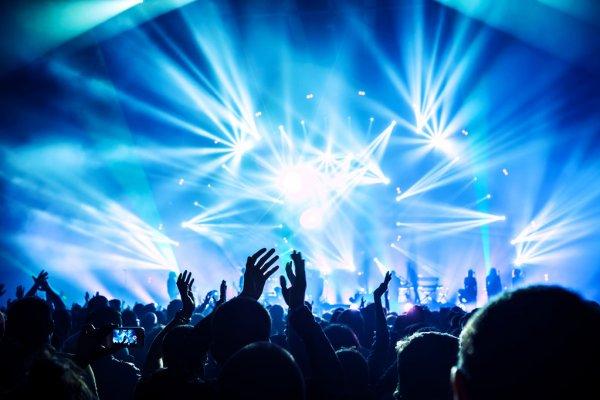 Guns 'n' Roses, Music, Tour, TotalNtertainment