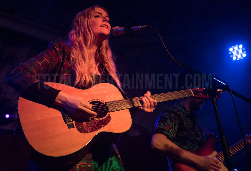 Megan Davies, Review, Graham Finney, TotalNtertainment, Manchester, Deaf Institute