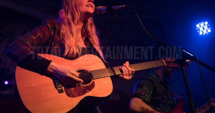 YouTube Sensation Megan Davies kicks off her UK tour at the Deaf Institute