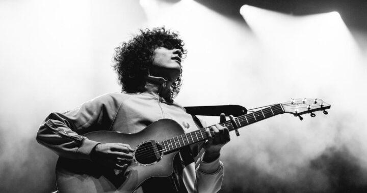 Dylan John Thomas releases new single 'Jenna'