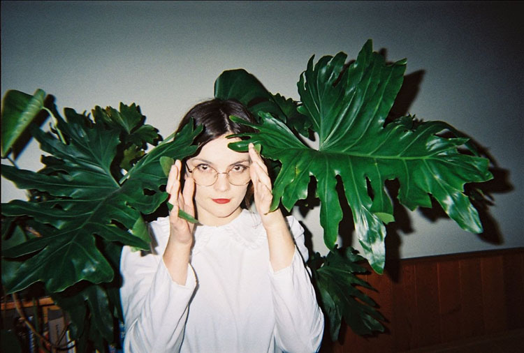 Elsie Lange, Music, New Single, Talk To Me, TotalNtertainment, New EP