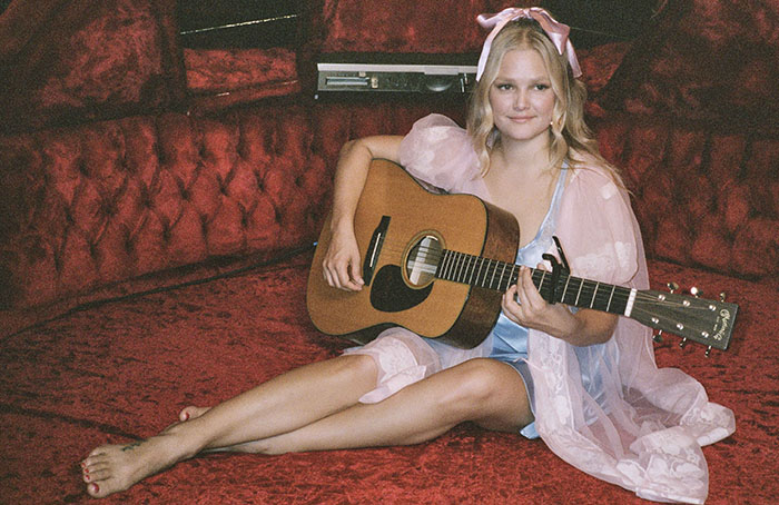 Hailey Whitters, Music, Country, TotalNtertainment, Fillin My Cup