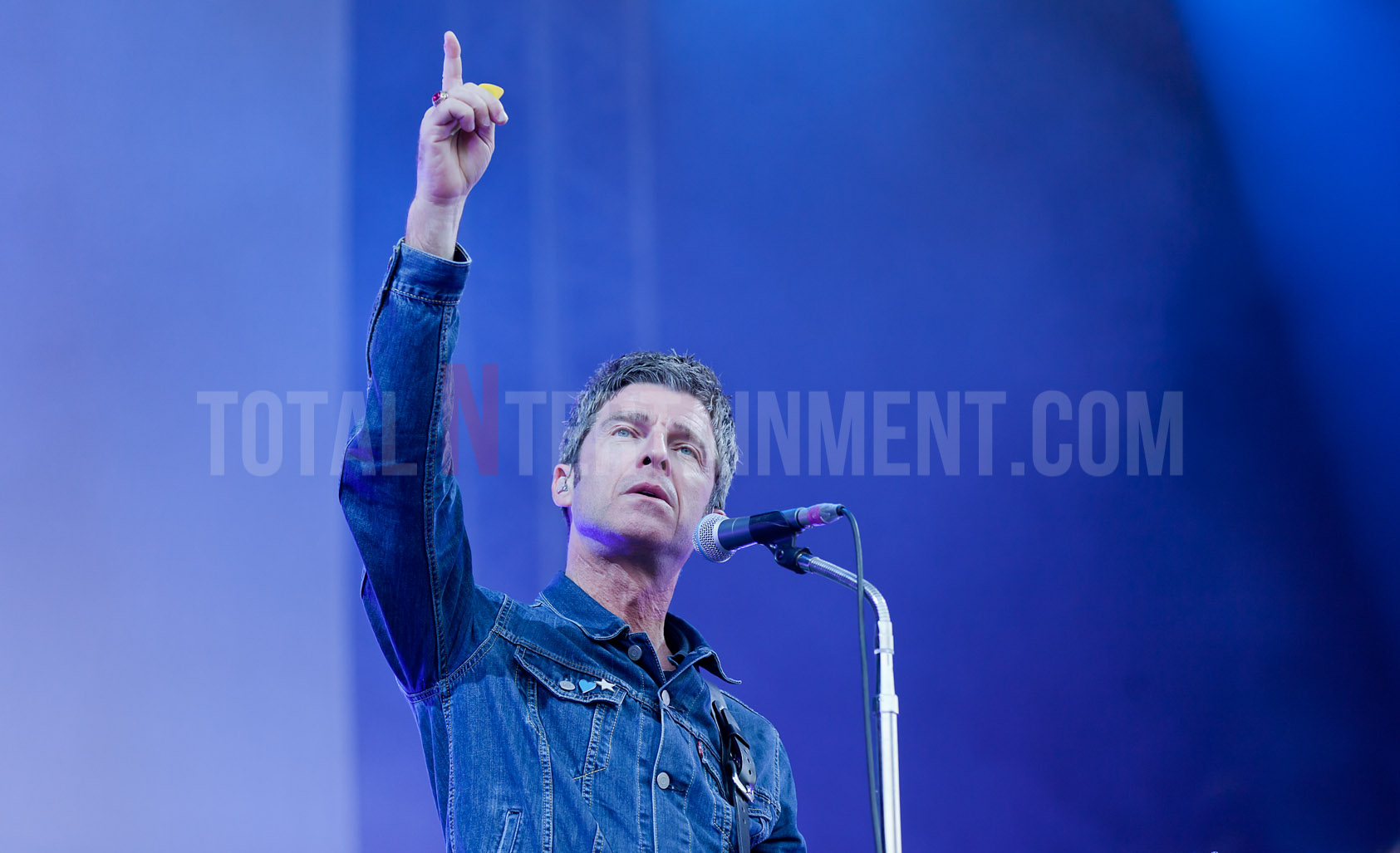 Noel Gallagher, Scarborough Open Air Theatre, Jo Forrest, review, TotalNtertainment, Live event