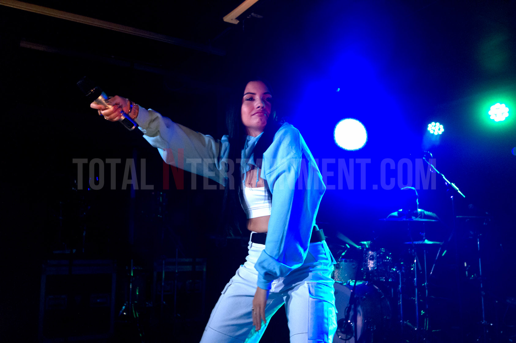 Mabel delivers classy performance at the Wardrobe in Leeds