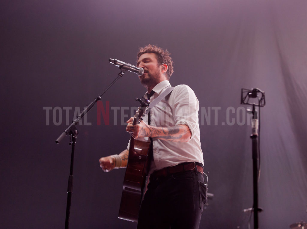 Frank Turner, Leeds, First Direct Arena, Jo Forrest, Review, TotalNtertainment