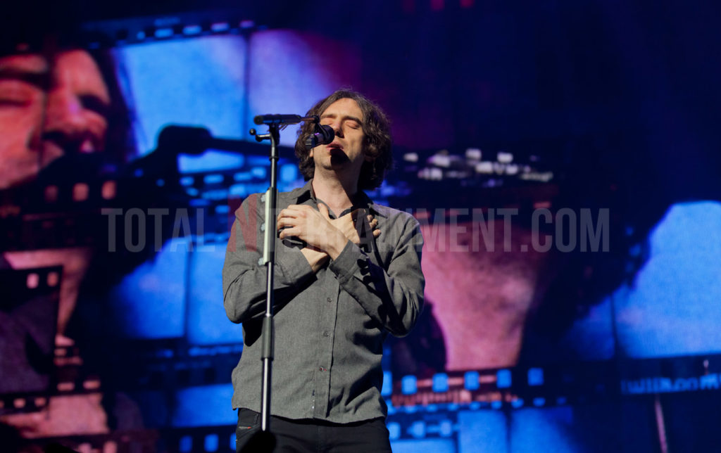 Snow Patrol, Leeds, First Direct Arena, Review, Jo Forrest, TotalNtertainment