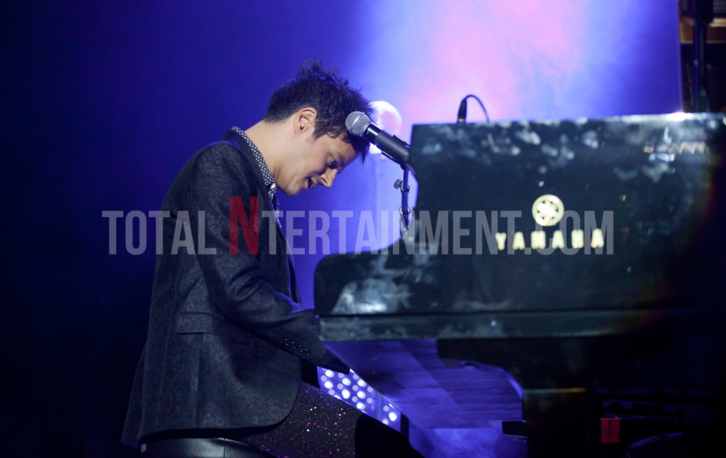 Jamie Cullum, Music, Tour, York Barbican, Jo Forrest, Review, TotalNtertainment