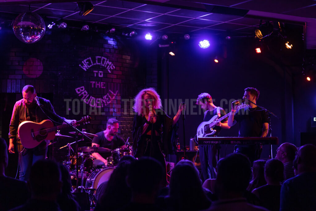 Janet Devlin, Leeds, The Brudenell Club, Music, Live Event, Jo Forrest, Review, TotalNtertainment