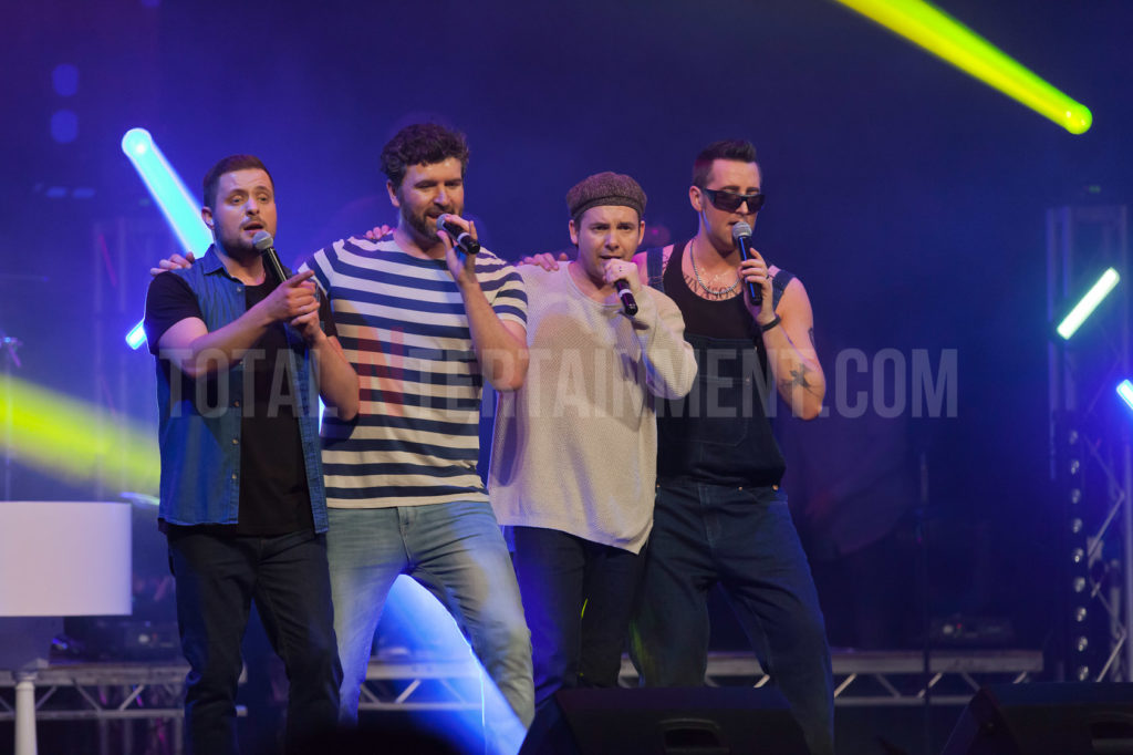 Re Take That, York TotalNtertainment, Music, Tribute, Jo Forrest, Review