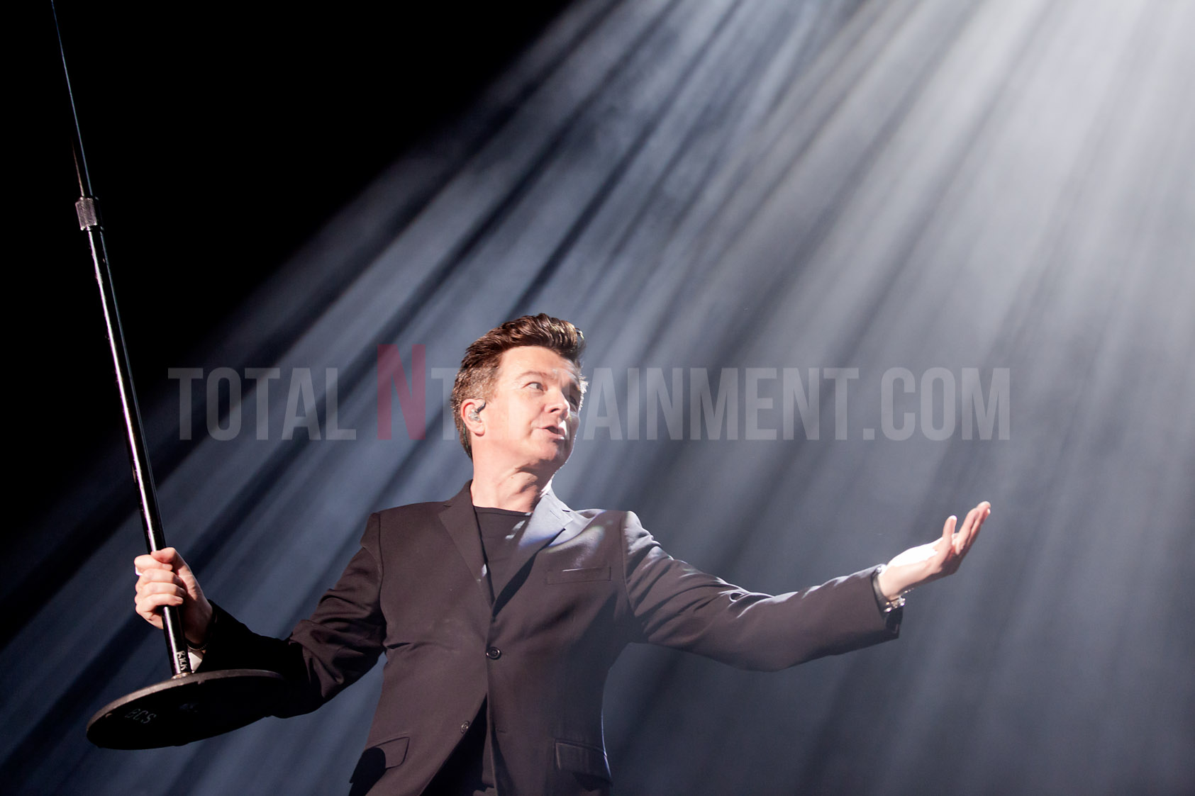 Rick Astley plays to a packed Leeds Arena