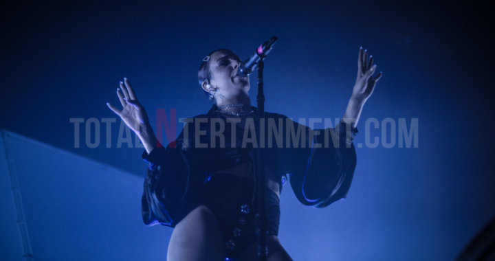 Charli XCX dances the night away in Manchester