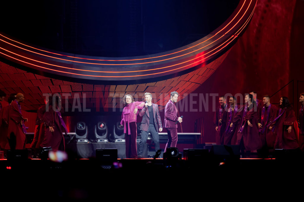 Take That, Manchester, Tour, Review, Jo Forrest, TotalNtertainment
