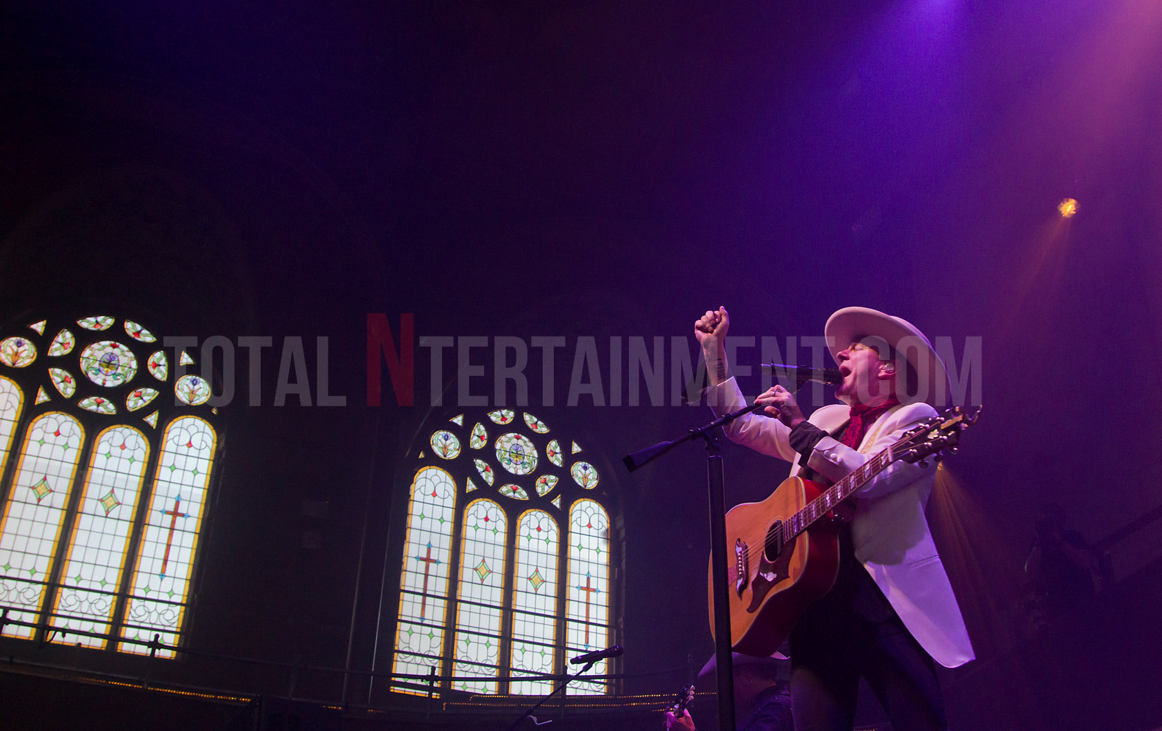 Kiefer Sutherland, Manchester, tour, TotalNtertainment, Jo Forrest, Music, Review
