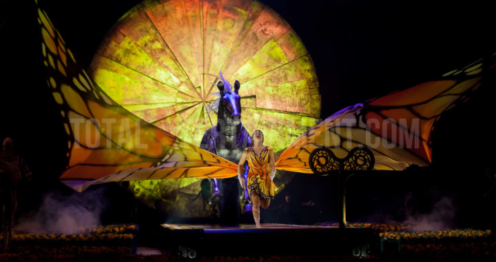 Cirque Du Soleil's Luzia puts on a breathtaking colourful display