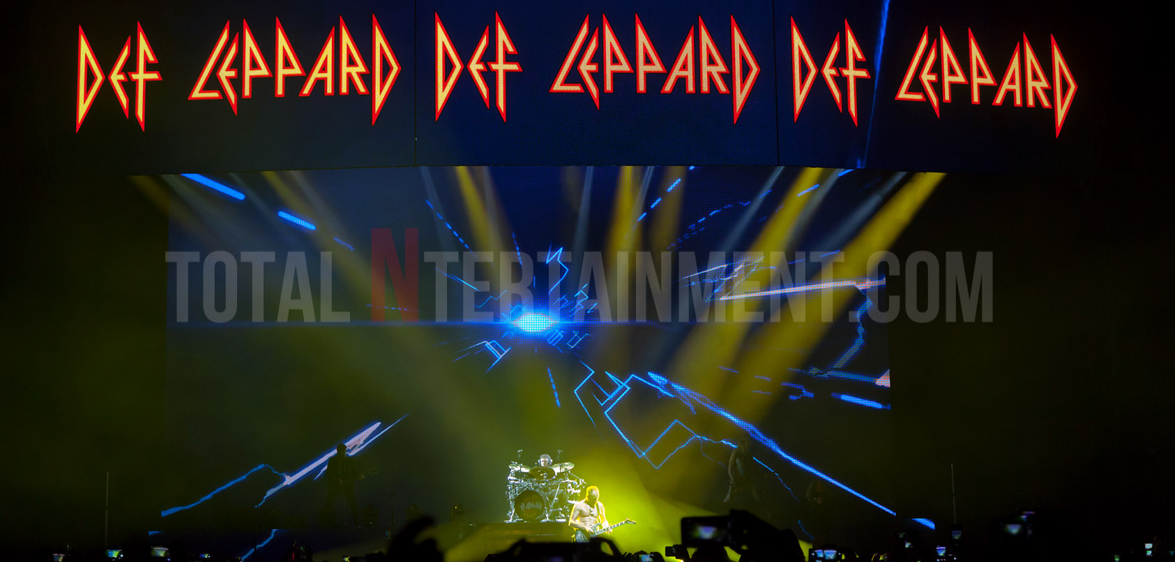 Def Leppard, Manchester, Review, Jo Forrest, TotalNtertainment, Hysteria