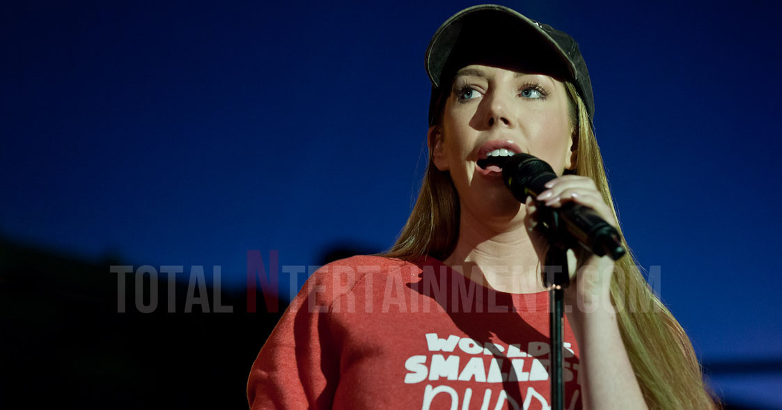 Katherine Ryan, Leeds Festival, Glitter Room, Comedy, totalntertainment, Jo Forrest