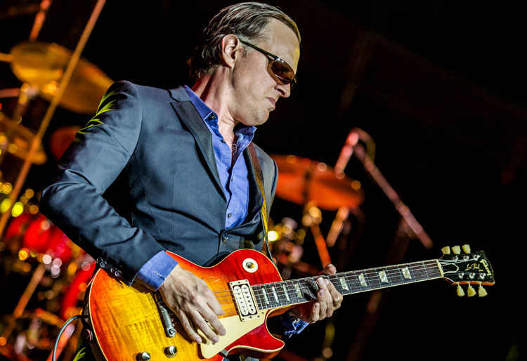Joe Bonamassa, New Single, Music TotalNtertainment, When One Door Opens