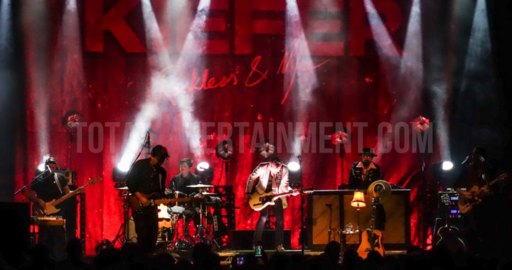 Kiefer Sutherland plays another sold out show in Manchester