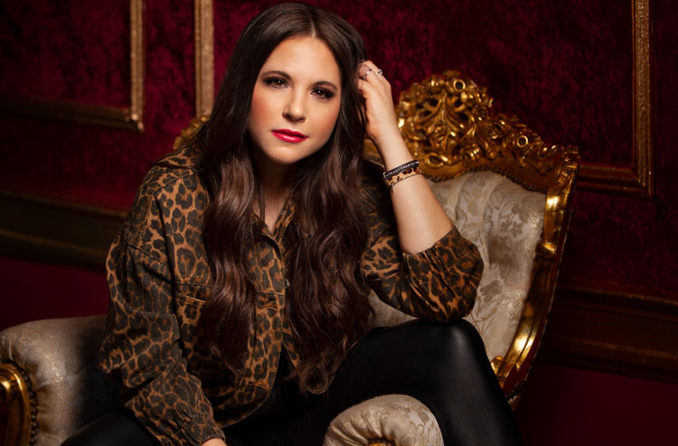 Lauren Davidson, Music, Country, 10 Questions with, TotalNtertainment, Interview