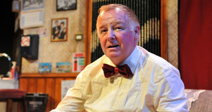 Liverpool Royal Court stream Les Dennis in 'Jigsy'