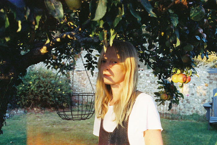 Lucy Rose, New Singles, White Car, Question It All, Music TotalNtertainment