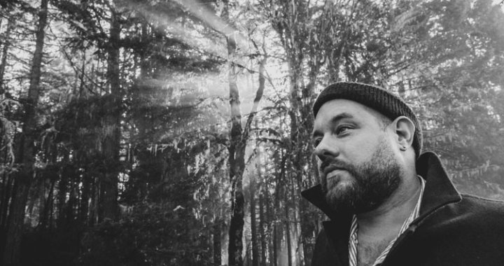 Nathaniel Rateliff unveils Danny Clinch-directed video for brand-new track 'What A Drag'