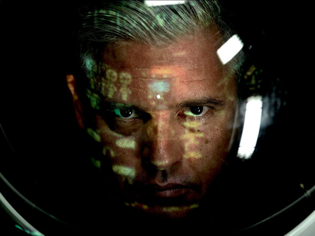 Paul Epworth, Music, TotalNtertainment, Voyager, Debut Album