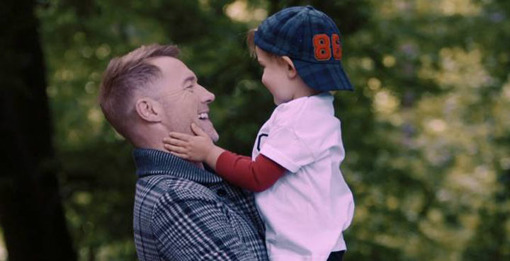 Ronan Keating shares 'Little Thing Called Love'