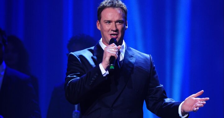 Russell Watson to launch Hale Barns Carnival