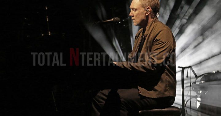 David Gray delivers an emotionally charged set in Liverpool