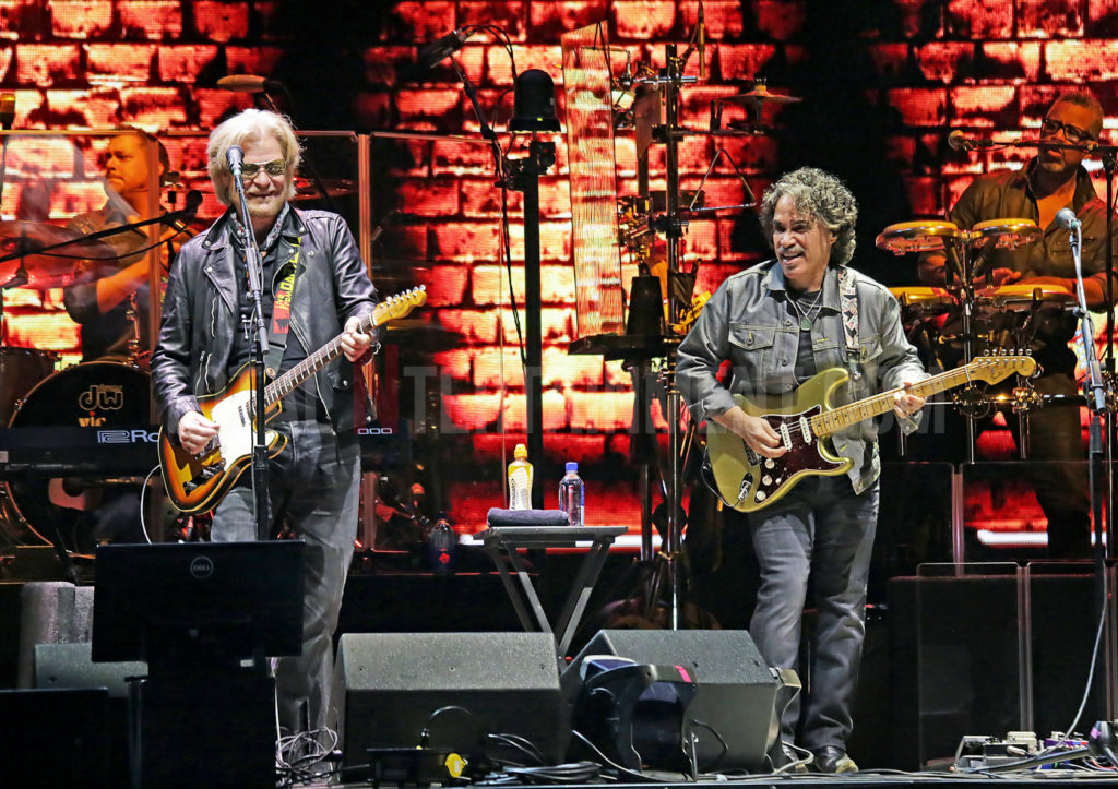 Daryl Hall, John Oates, Manchester, Review, TotalNtertainment, Sakura