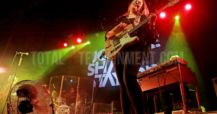 Joanne Shaw Taylor cures Manchesters winter Blues