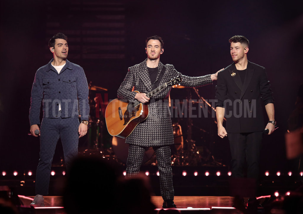 Jonas Brothers, Music, Review, Sakura, TotalNtertainment, Manchester