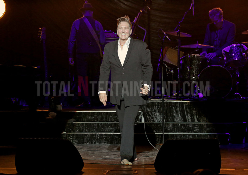 k.d. lang, Music, Tour, TotalNtertainment, Sakura, Liverpool, Review