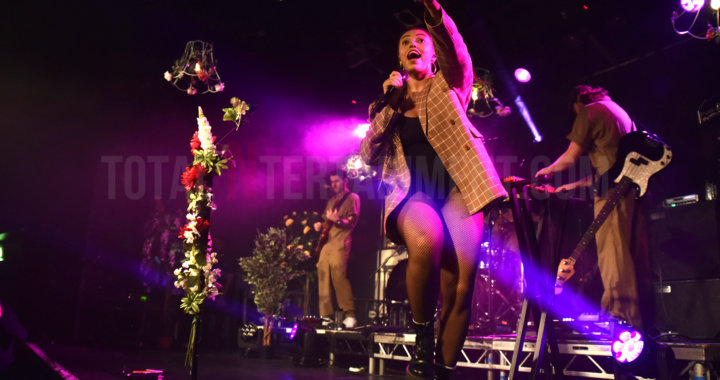Mahalia Sends Out Her Love to a Sold-Out Leeds Beckett Crowd