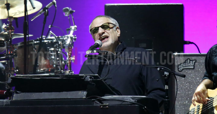 Steely Dan puts on a night for the diehard fans at Manchester Arena