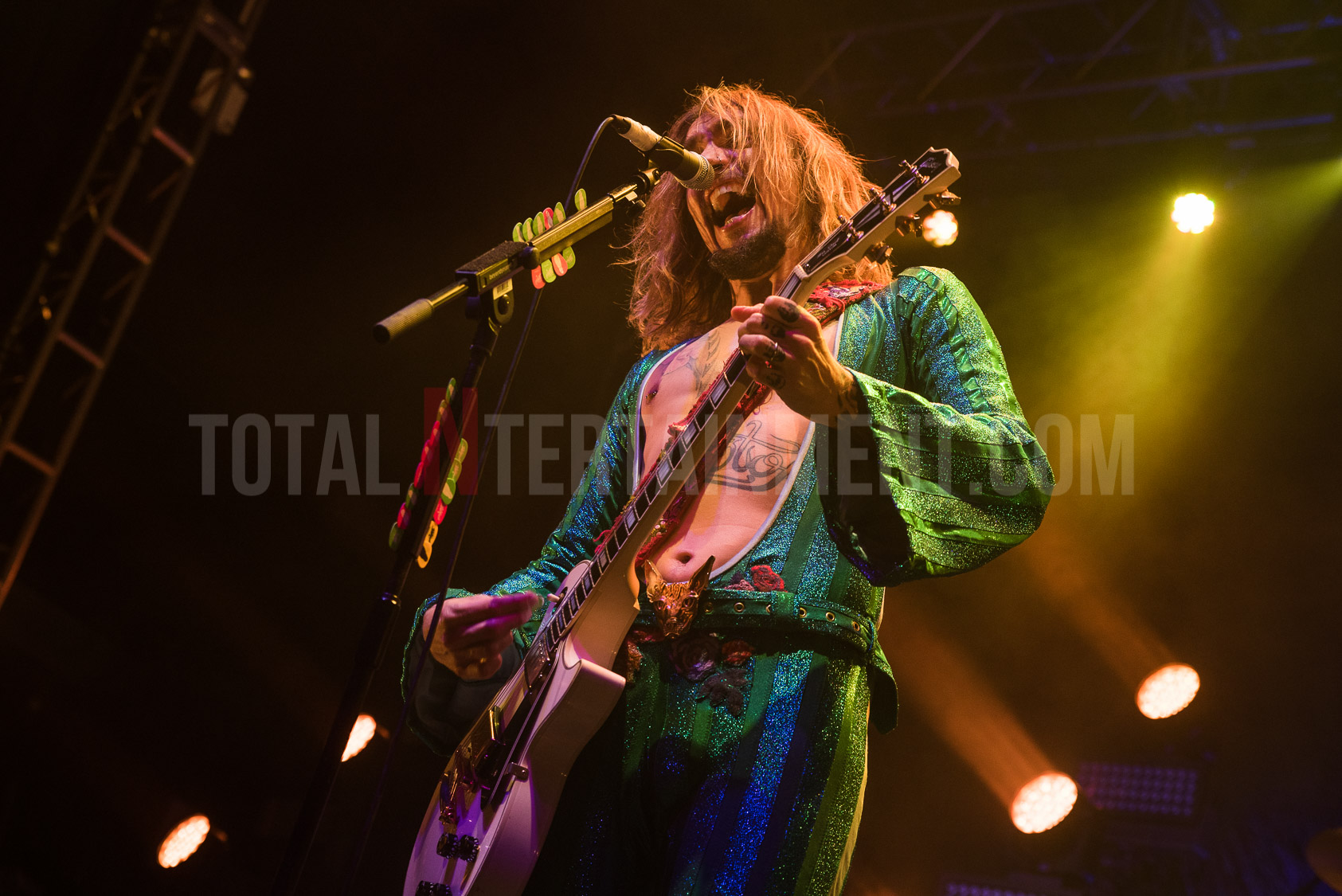 The Darkness kick Christmas off in style at the O2 Academy in Leeds